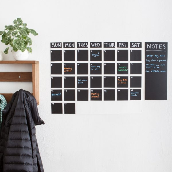 blackboard-decal-calendar